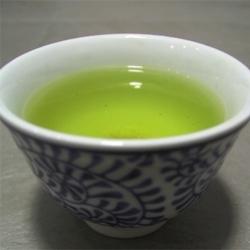 Ricetta Infuso di tè verde, rosa canina e rosmarino