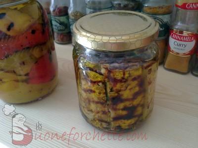 Ricetta Melanzane sott'olio con peperoni