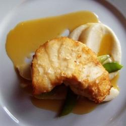 Ricetta Pescatrice al limone con purea di patate e sedano rapa