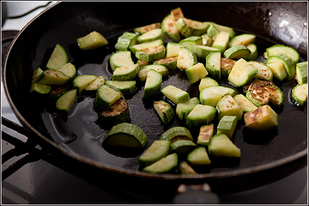 Ricetta Pennette pancetta e zucchinette